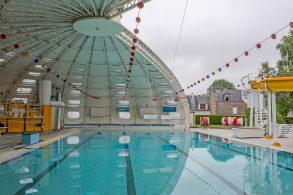 La piscine en position d'ouverture maximale à Baud (56) © Service de l'Inventaire du patrimoine, Région Bretagne